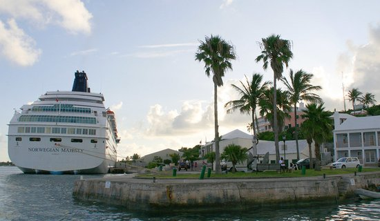 Cruise at St. George, Bermuda